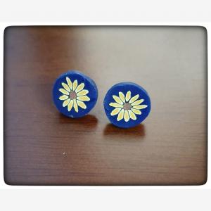 Ploymerclay blue flower stud