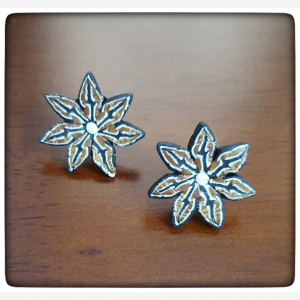 Ploymerclay brown and blue flower stud