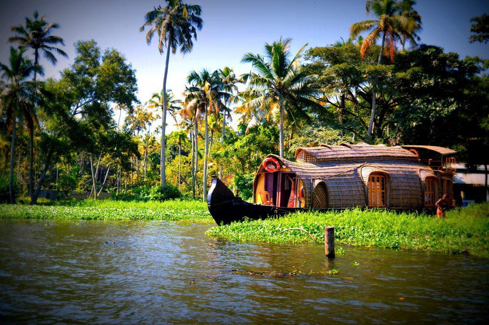 Keralawater-1283199_1920